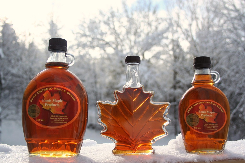 Maple syrup - glass bottles